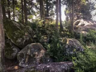 宮戸弁天の巨石群