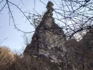 榛名神社の奥にそびえ立つ九折岩(つづらいわ)