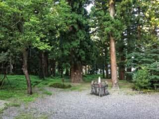 関山神社の境内
