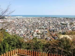 神倉神社から新宮市街地の眺望