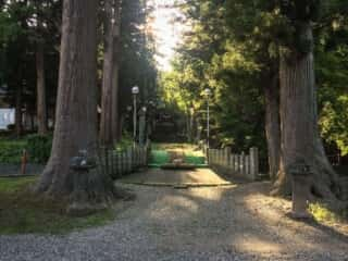 関山神社の参道