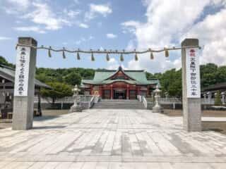 樽前山神社 参道と拝殿
