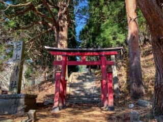 石上神社 (岩手県) 鳥居