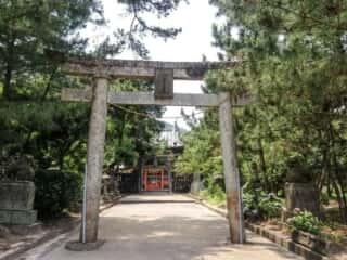 奈多宮神社 鳥居と参道