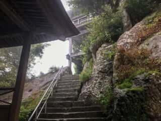 宝珠山立石寺の階段