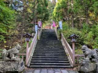 真山神社 参道