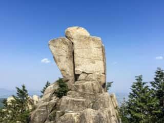 御在所岳 地蔵岩を横から望む!