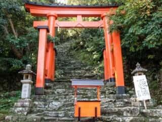 神倉神社 鳥居と参道の階段